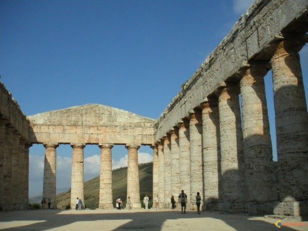 Temple grec de Segeste, non loin de Trapani (Photo DR)