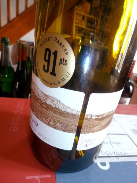 Où l'on voit par la trace laissée sur l'étiquette que c'était du bon... à 11 euros sur table ! Photo©MichelSmith