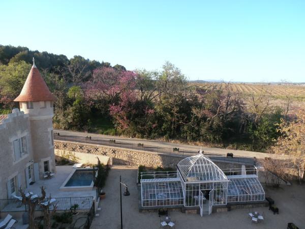 Château Les Carrasses dans les vignes du Languedoc, non loin de Béziers. Photo Michel Smith