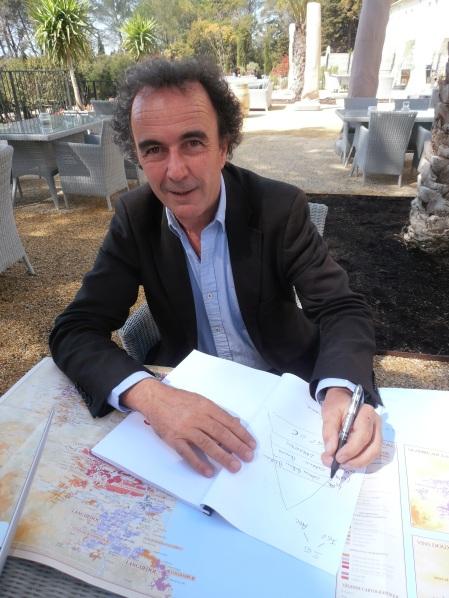 Jean-Philippe Granier, le directeur technique des Coteaux du Languedoc, explique le massif de La Clape. Photo©MichelSmith