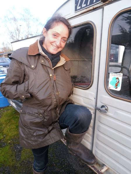 Noëlla Morantin, dingue aussi de vieilles bagnoles… Photo©MichelSmith