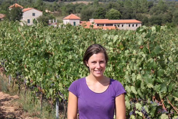 3. Elisabeth Quilichini, heureuse dans ses vignes. Photo Agnieszka Kumor