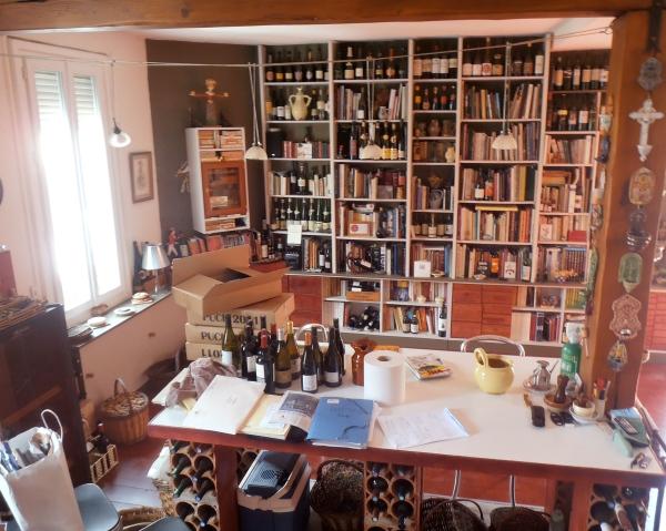 Ma salle privée de dégustations... Pour le moment, c'est le foutoir ! Photo©MichelSmith