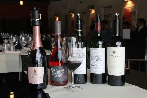 2. Les vins dégustés au Château de Haute-Serre. Photo Agnieszka Kumor