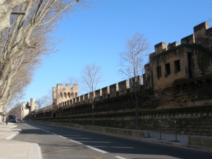 Dans les murs d'Avignon, des milliers de vins à déguster ! Photo©MichelSmith