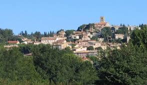 Châteauneuf-de-Gadagne. Photo©DanielMariotte