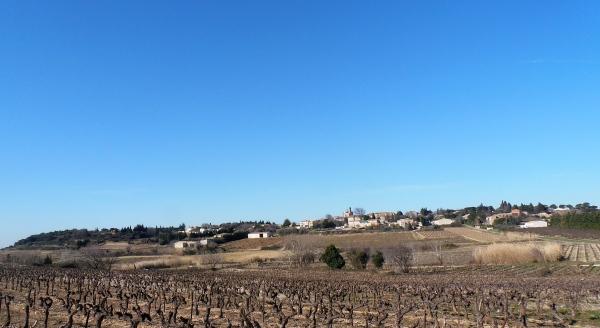 Le village d'Estézargues. Photo©MichelSmith