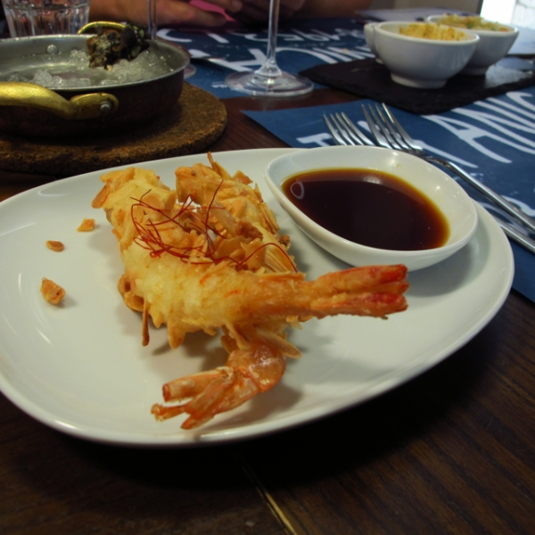 Tempura prawns with almond chips