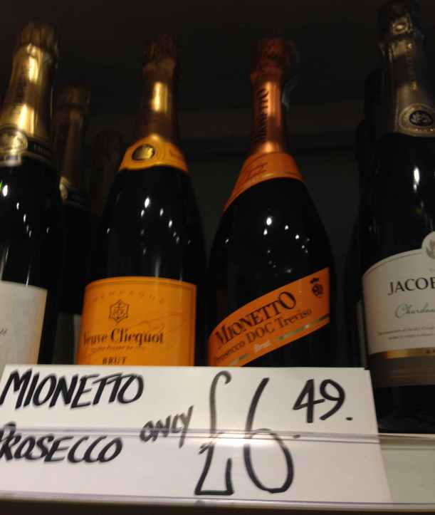 Snap!: Veuve Clicquot and  Moneto Prosecco