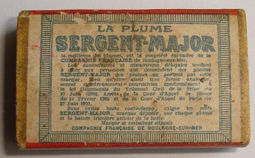 3632292boites-plumes-sergent-maj-dos-jpg