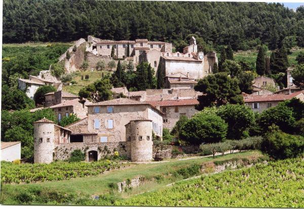 gigondas_village_et_tourelles