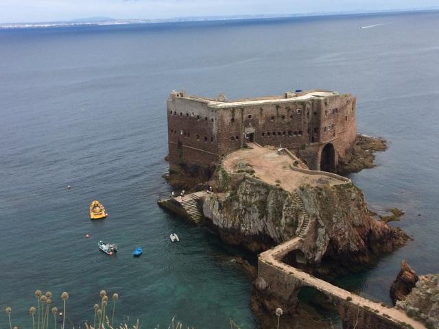 Fort-mainland