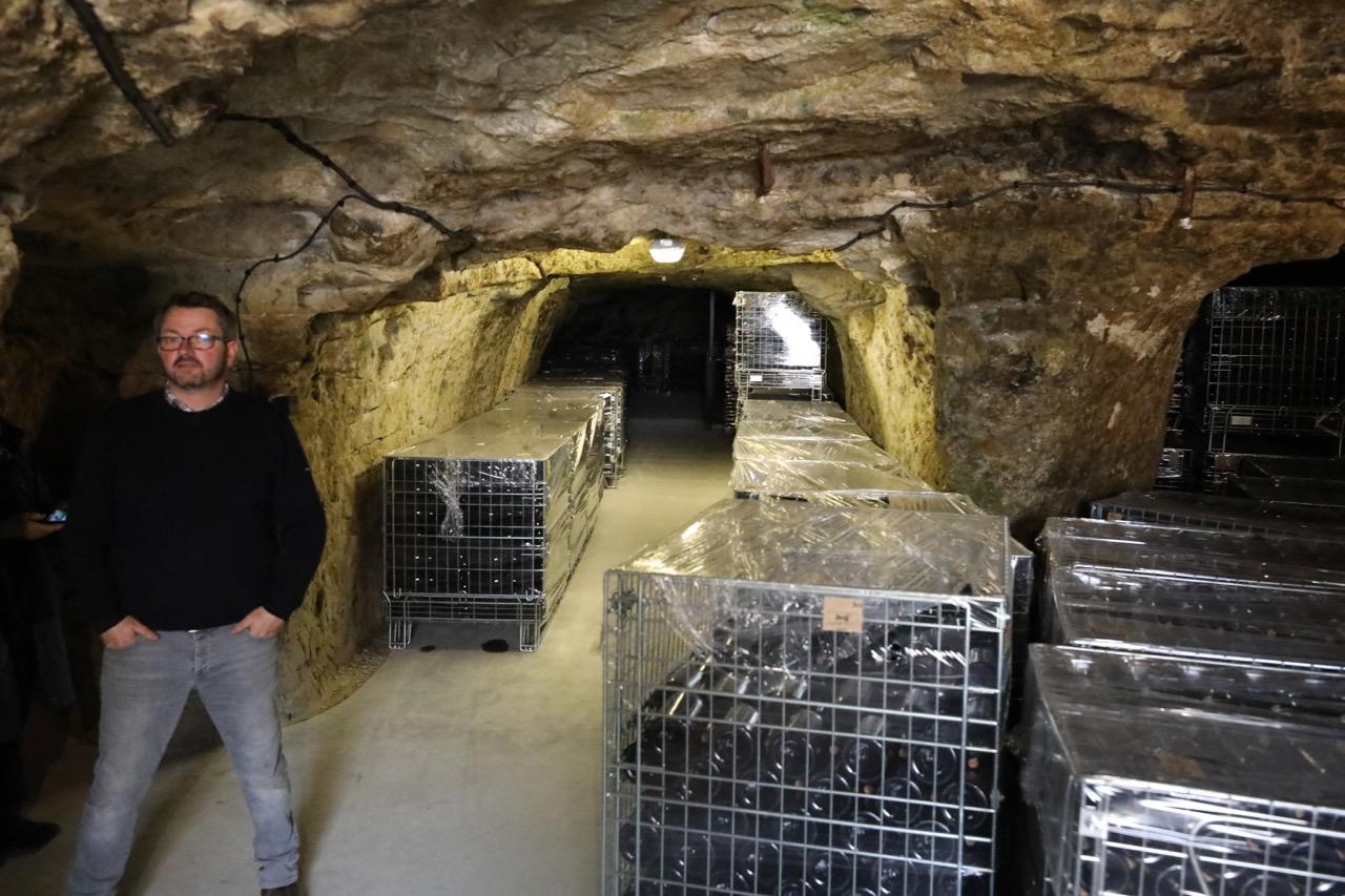 Antoine S - cave